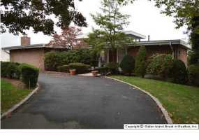 157 Howard Avenue,Staten Island,New York,10301,United States,4 Bedrooms Bedrooms,9 Rooms Rooms,3 BathroomsBathrooms,Residential,Howard,1104226