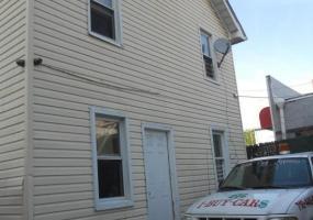 698 Henderson Avenue,Staten Island,New York,10310,United States,4 Bedrooms Bedrooms,6 Rooms Rooms,2 BathroomsBathrooms,Residential,Henderson,1116292