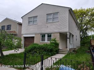 8 Middle Loop Road, Staten Island, NY 10308
