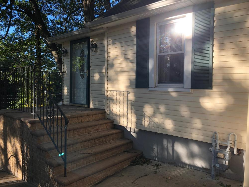 26 Glenwood Avenue,Staten Island,New York,10301,United States,3 Bedrooms Bedrooms,5 Rooms Rooms,2 BathroomsBathrooms,Residential,Glenwood,1123690