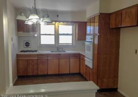 15 Penn Avenue,Staten Island,New York,10306,United States,3 Bedrooms Bedrooms,6 Rooms Rooms,1 BathroomBathrooms,Res-Rental,Penn,1124267