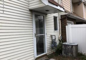 107 Jefferson Street,Staten Island,New York,10304,United States,2 Bedrooms Bedrooms,5 Rooms Rooms,3 BathroomsBathrooms,Residential,Jefferson,1124295