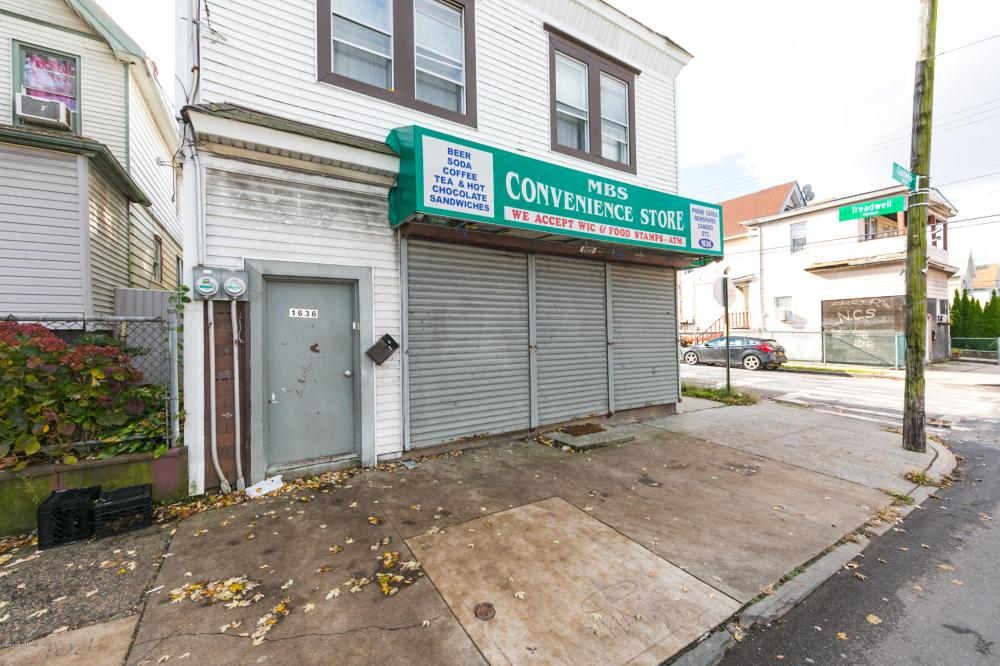 1636 Castleton Avenue,Staten Island,New York,10302,United States,Business,Castleton,1124449