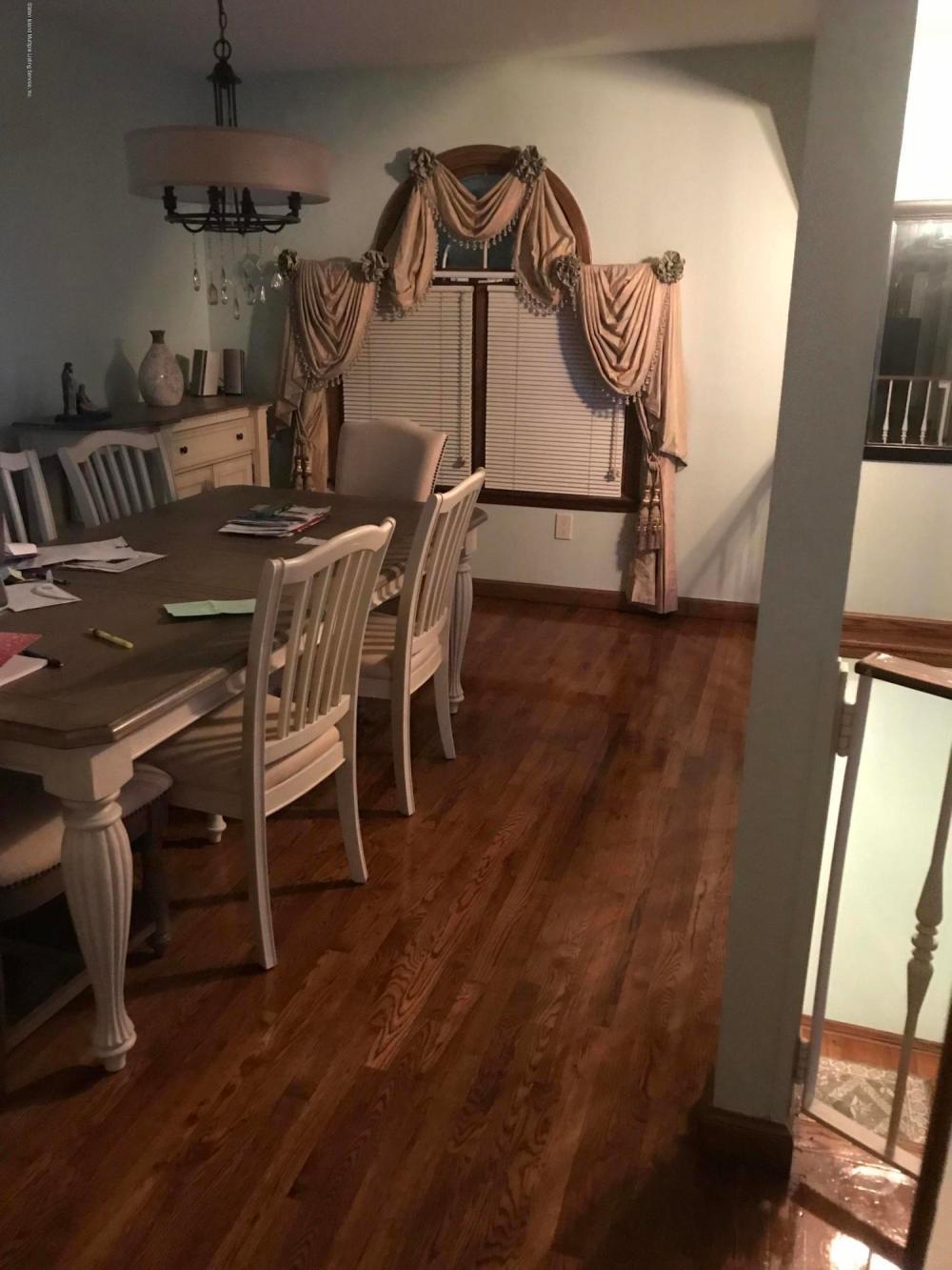 675 Collfield Avenue,Staten Island,New York,10314,United States,3 Bedrooms Bedrooms,8 Rooms Rooms,3 BathroomsBathrooms,Res-Rental,Collfield,1124457