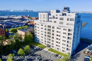 The Desirable waterfront building, The Accolade Condos. Located minutes to the Free Ferry to Manhattan.