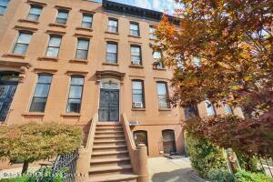 287 Carroll Street, Brooklyn, NY 11213