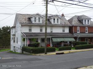 149 Garibaldi Ave, Roseto, PA 18013