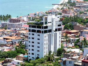 689 Miramar s/n, Hotel Suites la Siesta de Vta, Puerto Vallarta, JA