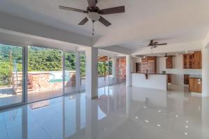 121 Mango PH1, Hacienda Los Mangos, Puerto Vallarta, JA