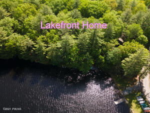 211 Waterview Dr, Hawley, PA 18428