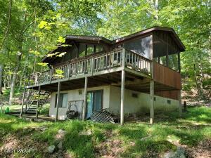142 Upper Lakeview Dr, Hawley, PA 18428