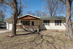 849 Daly Dr., Moberly, MO 65270
