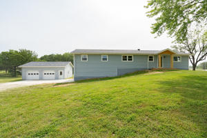 1031 County Road 2265, Moberly, MO 65270