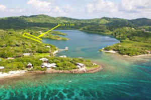 154' frontage, Waterfront- 1.4 acres-, Roatan,