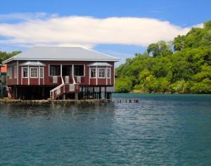 Waterfront Home, Blue Rock Value, Roatan,