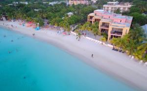 Beach Beachfront Unit # 1, West Bay, Captivating Coral Sands, Roatan,