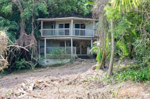 the value of the 2 lots, Free Home! Priced for, Roatan,
