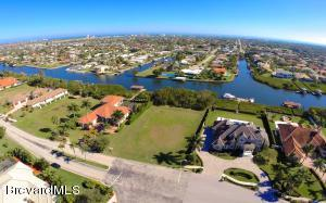 Property for sale at 258 Lansing Island Drive, Satellite Beach,  Florida 32937