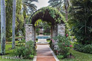 Property for sale at 205 Hacienda Drive, Merritt Island,  Florida 32952
