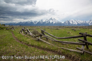 8570 CREEK CROSSING LP, Jackson, WY 83001