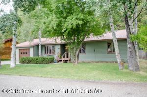 1035 W LONGHORN DR, Jackson, WY 83001