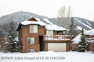 560 E HALL AVE, Jackson, WY 83001