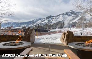 7680 GRANITE LOOP RD, 555, Teton Village, WY 83025