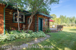 2170 COYOTE LOOP, Wilson, WY 83014