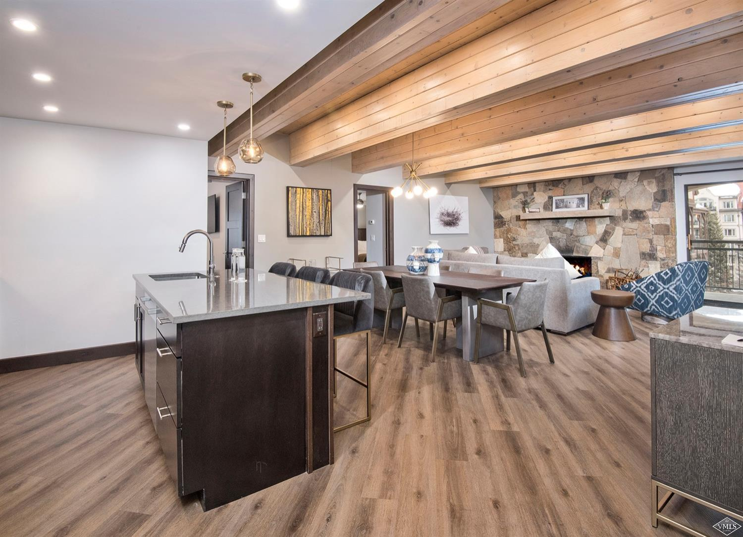 Enjoy all the amenities the Lionshead Marriott has to offer in this beautifully remodeled, fully furnished condo. Great location with a large deck looking towards the Lionshead gondola, completely turn-key and move in ready!