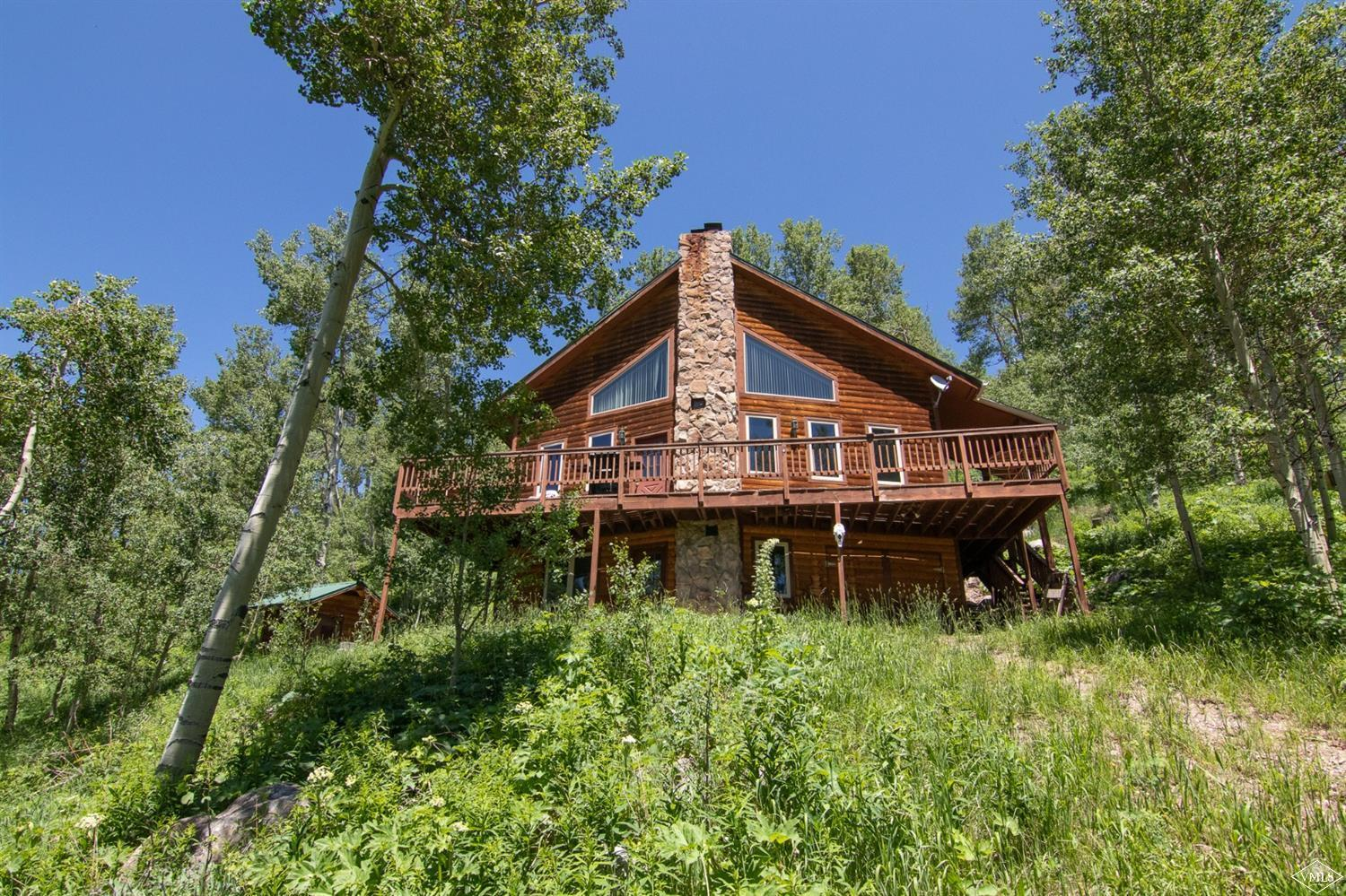 Your private cabin in the woods. This 3 bedroom/2 bathroom is your escape to the quintessential mountain town of Fulford. Perfect for a getaway or base-camp for adventures in the National Forest and the Holy Cross Wilderness.
