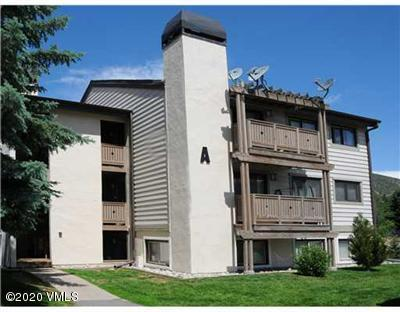 Top floor unit in the complex that is centrally located in Avon with easy walking to Nottingham Lake, Taco Tuesday, tennis, and pickle-ball courts, and the Beaver Creek Ski Shuttle.  Balcony with northeast views and large evergreen that will give you privacy.
