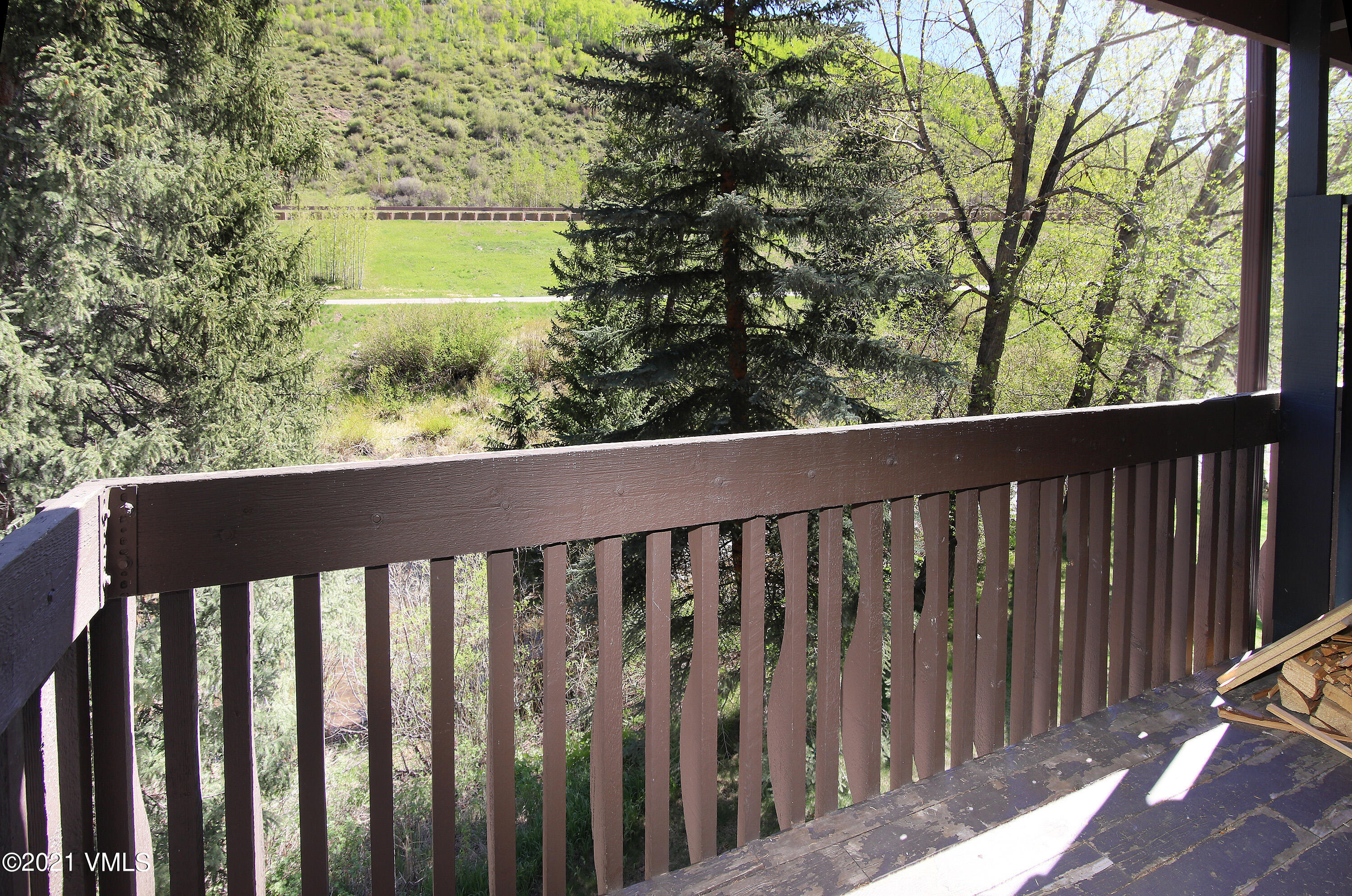 Freshly painted 1-bedroom and 1.5-bath Vail Racquet Club condominium with ample closet space and two decks. One deck faces Gore Creek and other deck has excellent mountain views. New gas fireplace is currently being installed.  On-site property management, Town of Vail free bus, year-round heated outdoor 25 meter swimming pool, hot tubs, tennis courts, health club and restaurant.
