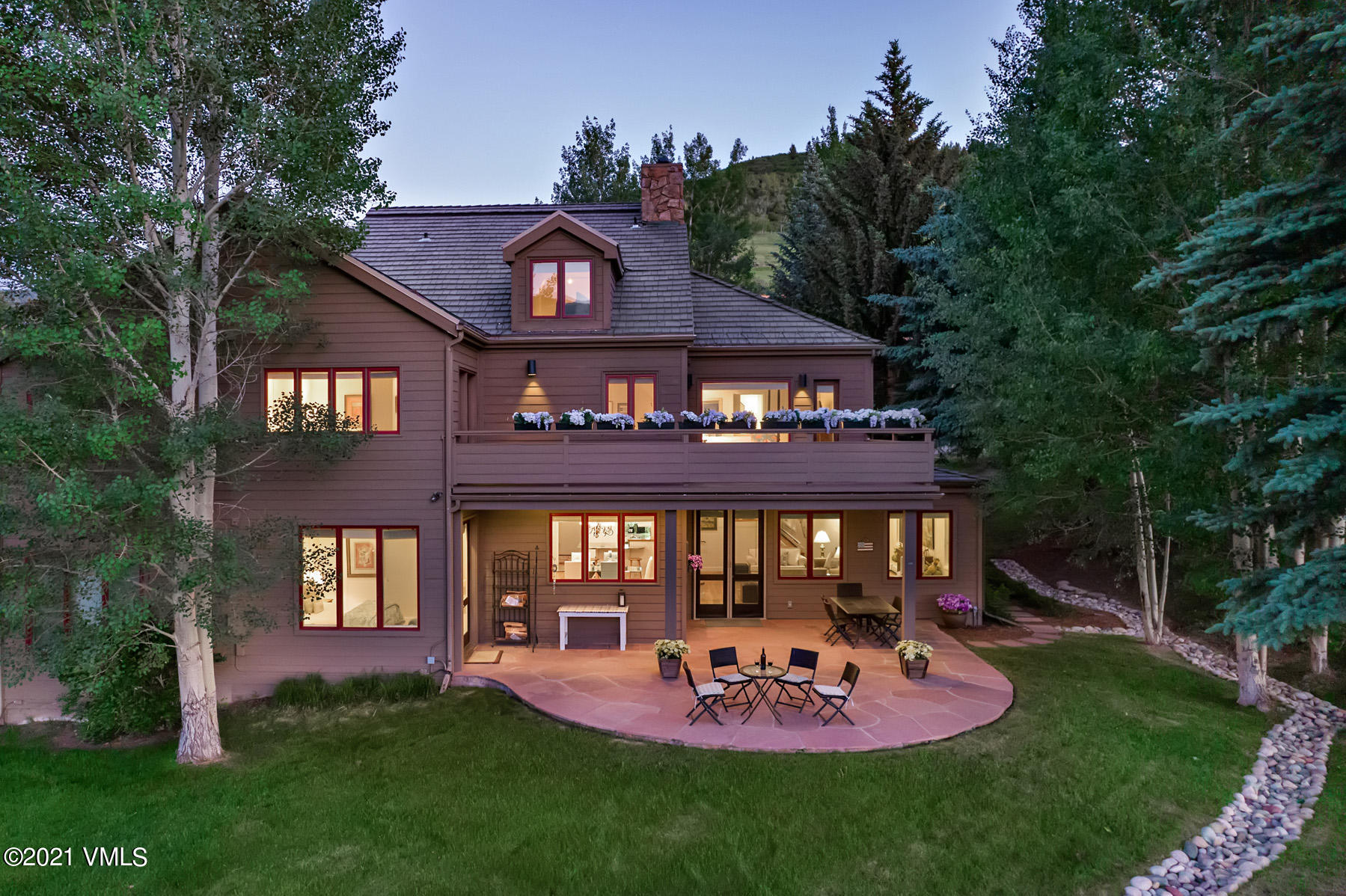 Rare opportunity to own this 5-bedroom, 4,822 square foot duplex located on the Beaver Creek Golf Course with magnificent golf course views throughout the house. The main level features a great room with walkout patio overlooking the golf course, kitchen with breakfast nook and wet bar, dining room and secondary master suite. The grand master suite with sitting room is located on the second level accompanied by three guest bedrooms and expansive deck.  All families will enjoy the spacious secondary living area, full bathroom and multiple storage closets on the third floor.  With ski-out access via the Beaver Creek Landing gondola and also on Beaver Creek's complimentary shuttle route, this is not to be missed!  Recent improvements (2019) include a new roof, boiler, refrigerator, cooktop/range and microwave.