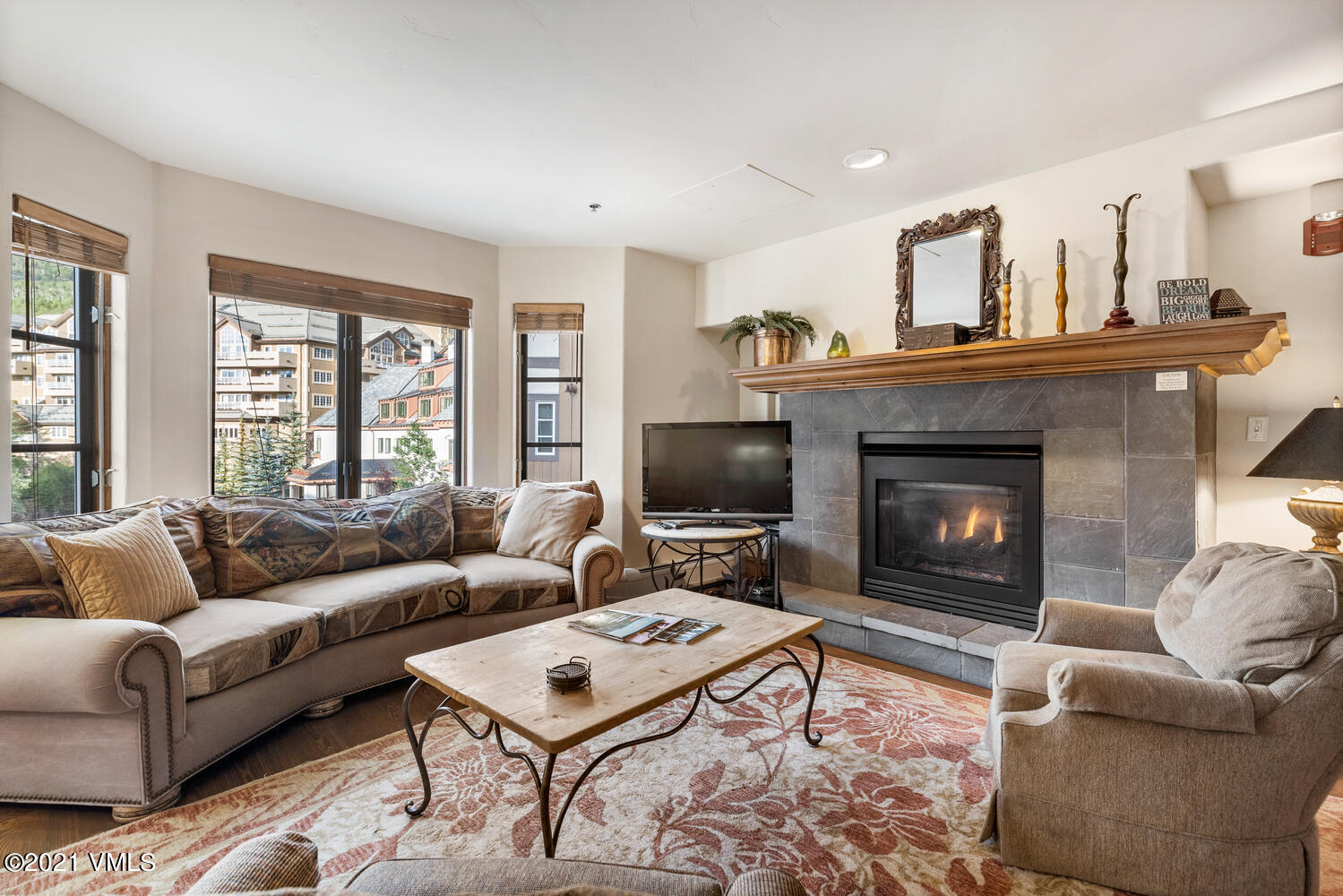 Amazing location in the heart of the Beaver Creek Village just an elevator ride away from the shops, dining, and Centennial ski lift! This 1 bedroom plus den is the perfect resort residence with fantastic rental potential. Underground heated garage parking and storage.