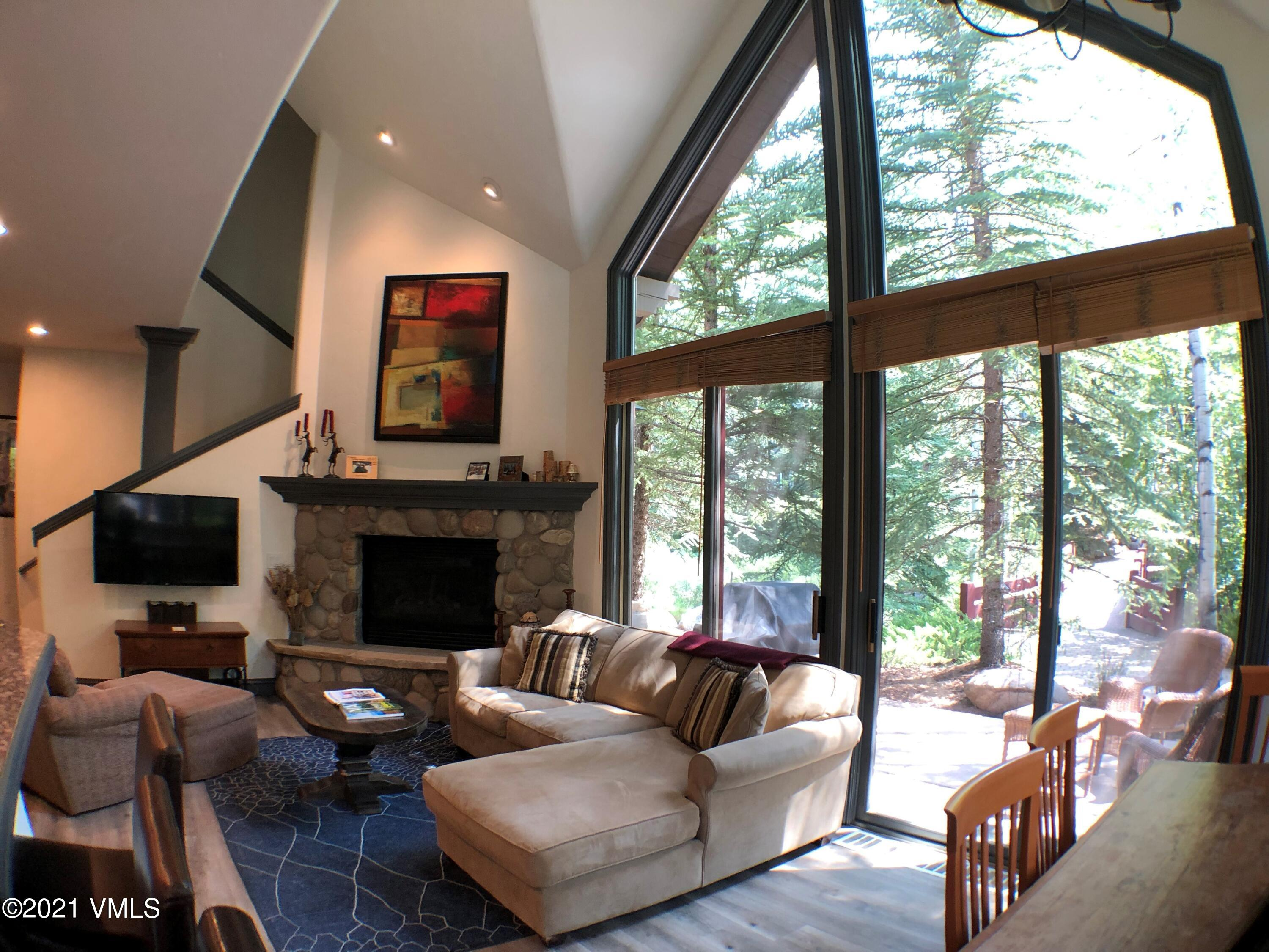 Fantastic location in the heart of Arrowhead.  This remodeled light and bright 3 bedroom 3 bathroom townhome has it all. Easy walk to ski access and the Arrowbahn ski lift, attached heated underground 1 car assigned parking with 2 storage lockers, main floor master and vaulted ceilings.  Short walk to the Alpine Club and all of its amenities.  Don't miss out!