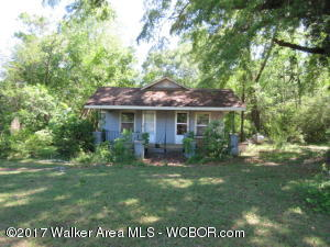 2 bedroom, 1 Bath Home in Nauvoo, Big Kitchen, Large Living Room. Laundry Room and extra room on back of house. Seller will consider owner finance with down payment.