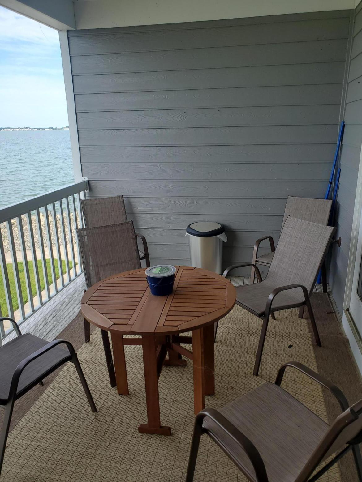 Beautiful LAKE VIEW 3 bed/2 bath Condo at Windemere Bay Condominiums! Completely updated with open concept floor plan and plentiful windows. Appliances are included. Enjoy lake view off main living area and the master bedroom. Head outside to the convenient boat dock or to the community pool. Condo fees are $240.00 per month and include pool, trash, snow removal, and outside maintenance. maintenance included in condo fee. Call today for a private tour and start relaxing at the Lake.