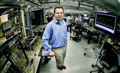 Physicists build first 500 GHz photon switch