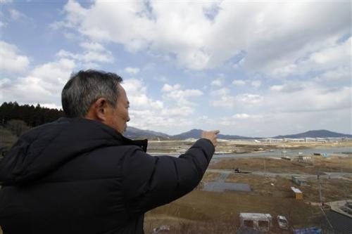 Japan opts for massive, costly sea wall to fend off tsunamis