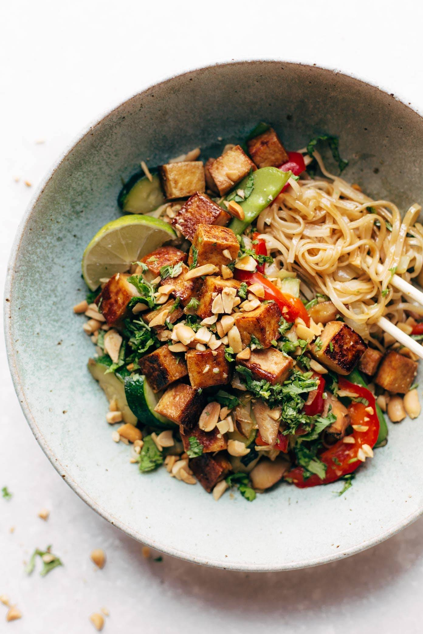 Back Pocket Stir Fry with Noodles - simplicity wins. brown rice noodles with tofu and all kinds of colorful veggies for a quick and easy dinner! vegan, vegetarian.   pinchofyum.com