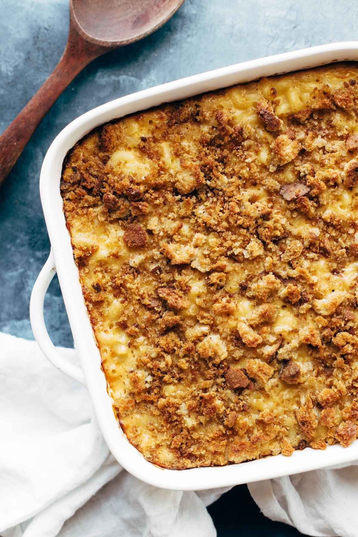 Baked Mac and Cheese - simple ingredients, OMG mac and cheese vibes. perfect comfort food!   pinchofyum.com