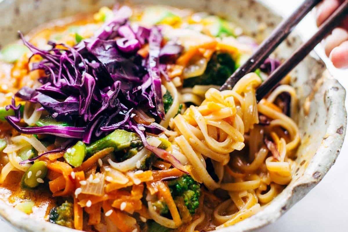Bangkok-Coconut-Curry-Noodle-Bowls-5