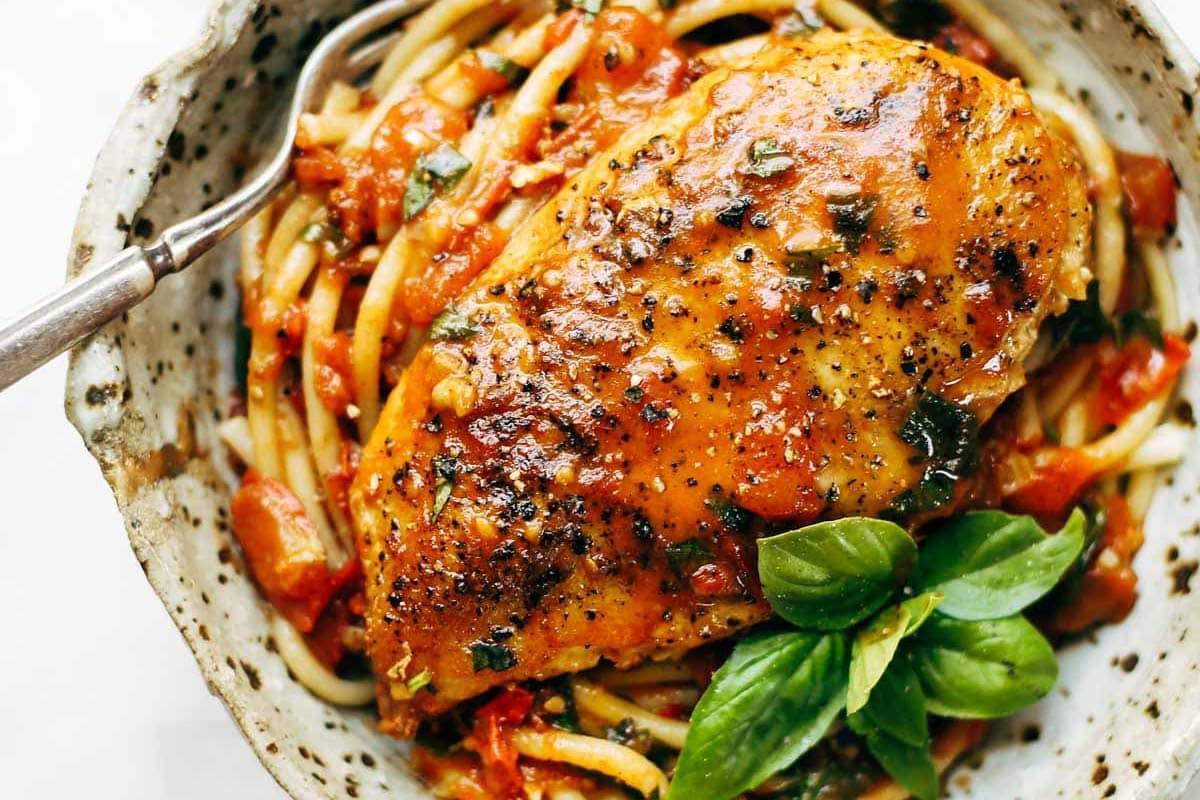 Garlic Basil Chicken | pinchofyum.com