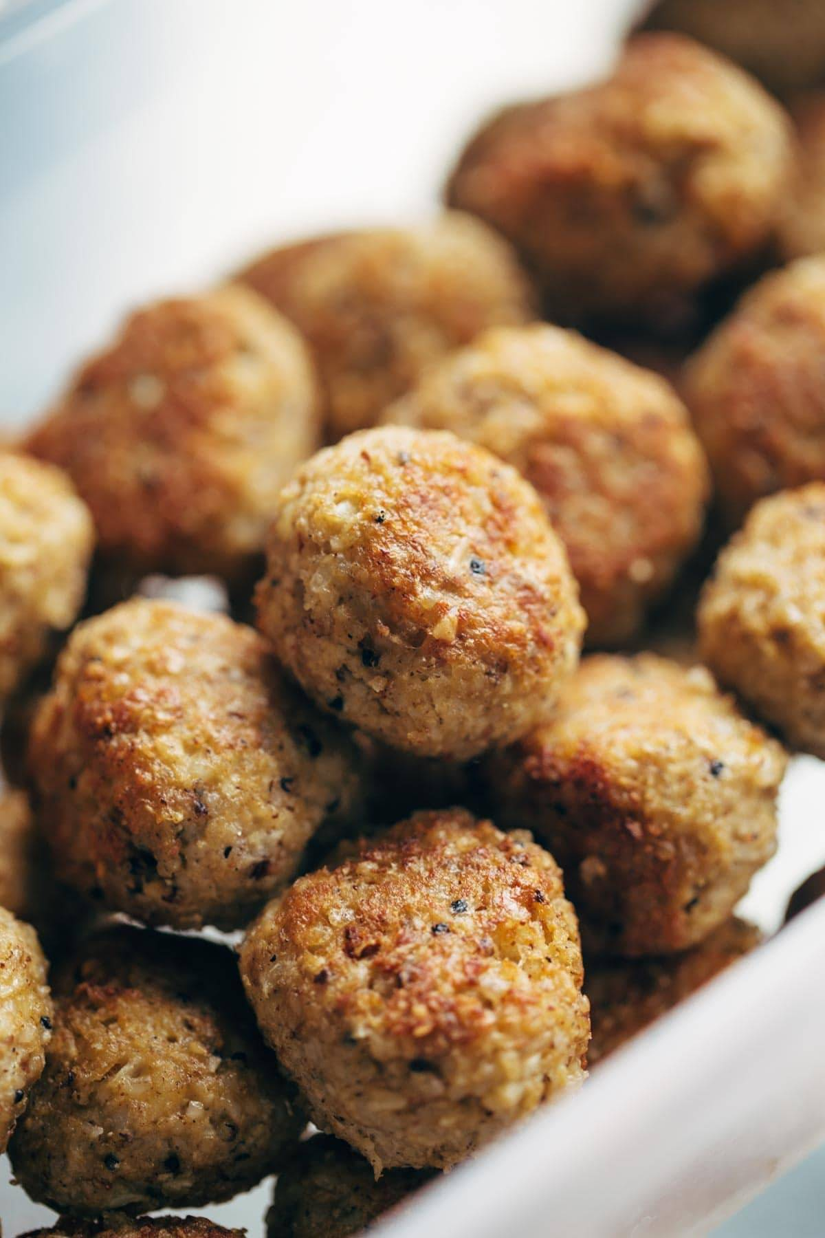 30 Minute Vegetarian Meatballs: made with cauliflower, quinoa, brown rice, garlic, and spices. SUPER versatile - recipe makes a huge batch so you can stockpile them in your freezer for easy meals later!   pinchofyum.com
