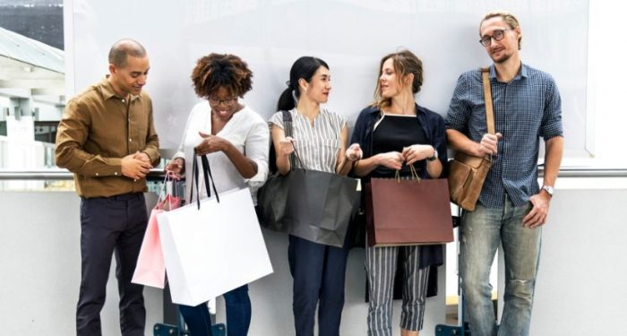 Chris Walton, Forbes, tendencias retail 2019, tecnología del retail, Amazon, Google, Snapchat, Glossier, Macy's