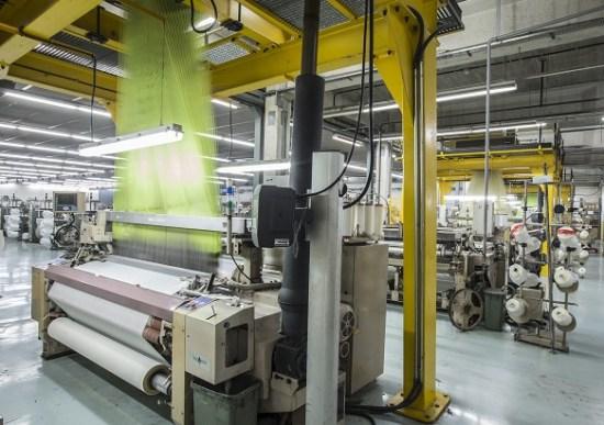 Textil Ortiz, tejidos sintéticos y artificiales, tejidos sintéticos, tejidos artificiales, forrería, sostenibilidad textil,