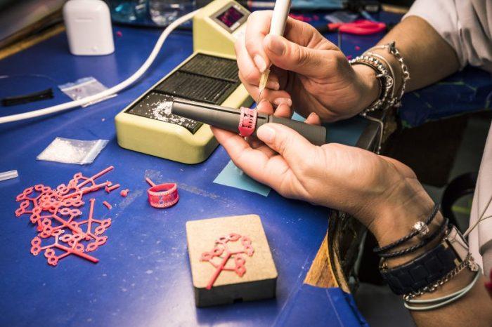 Sikno, joyas, fabricante de joyas, Cristian Lay, Ricardo Leal, joyas galvanizadas, personalización de joyas, joyas B2B