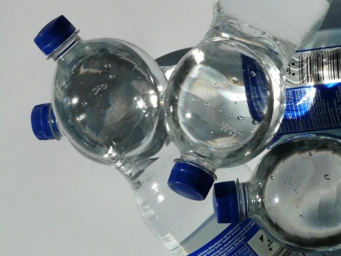 Botellas, Botella De Plástico, Botella, Agua Mineral