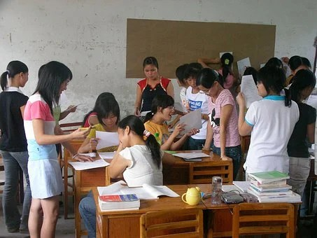 Class Discussion Girls Study Child Face Ki