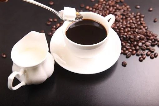 An image of coffee, containing caffeine.